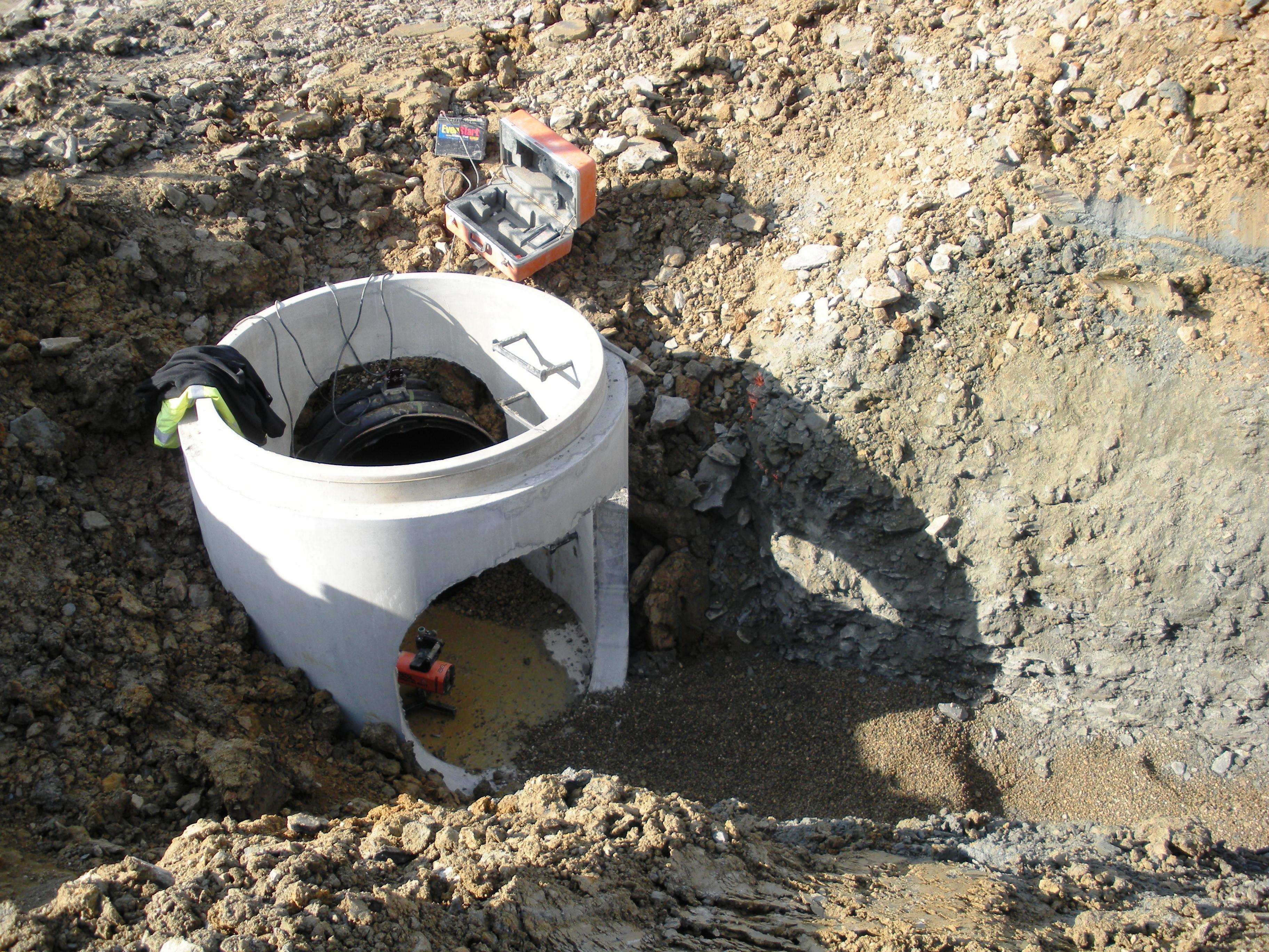 Storm water manhole